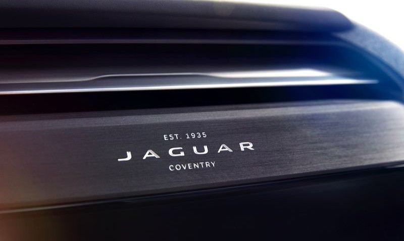 jaguar_i-pace_concept_studio_interior_detail_05sm-0
